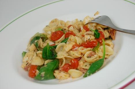 Pasta with Roasted Cauliflower, Arugula & Prosciutto
